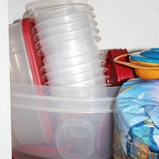 rubbermaid-easy-find-lids.jpg